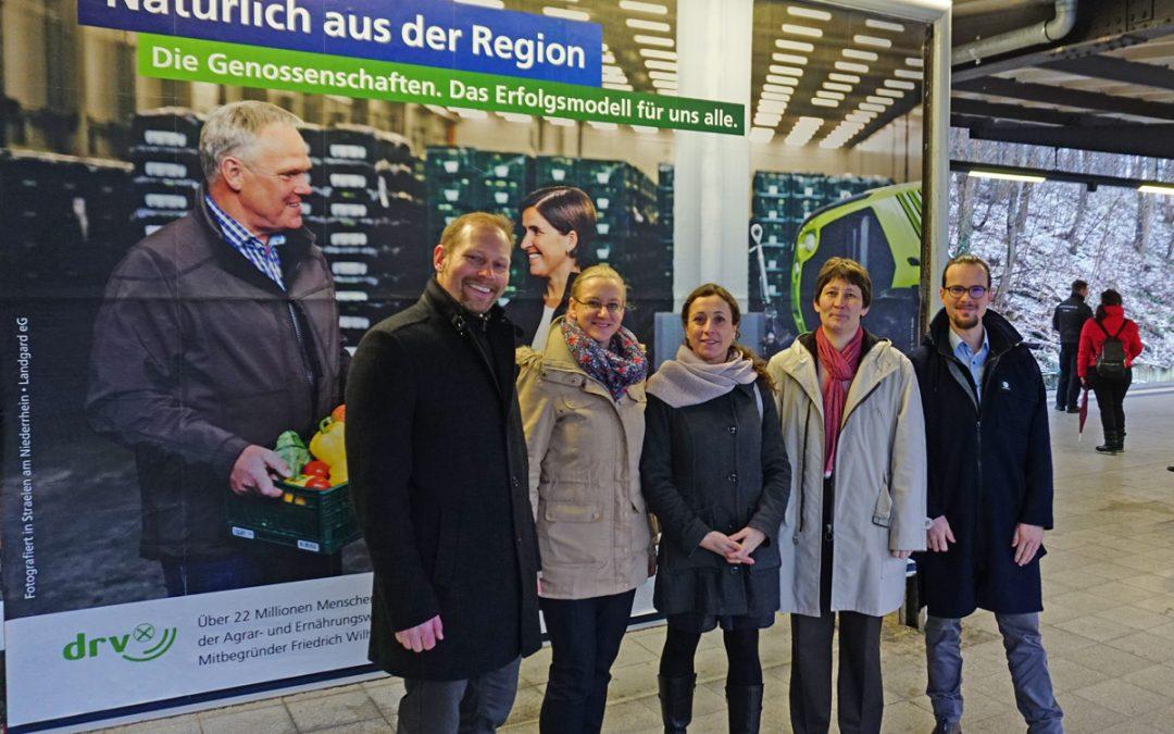 Start der Plakataktion zum Raiffeisen-Jahr 2018: Genossenschaften präsentieren sich mit big pictures!