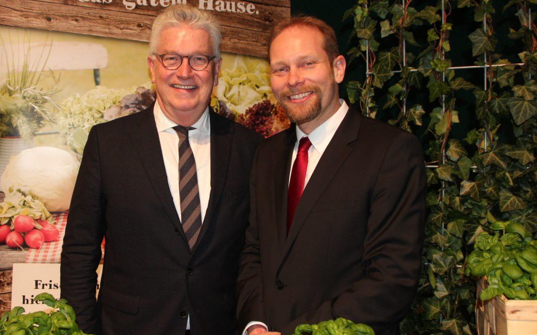 """""""Deutschland – Mein Garten."""" präsentiert neuen praktischen Saisonkalender zur Grünen Woche 2016"""