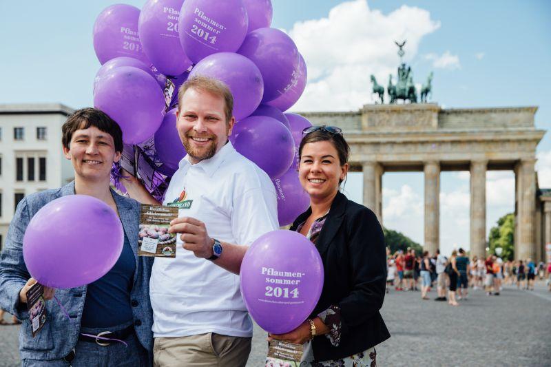 Zwetschgensommer 2014: 1.000 Ballons über Berlin